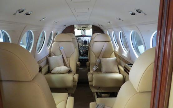 king-air-b200-int.jpg